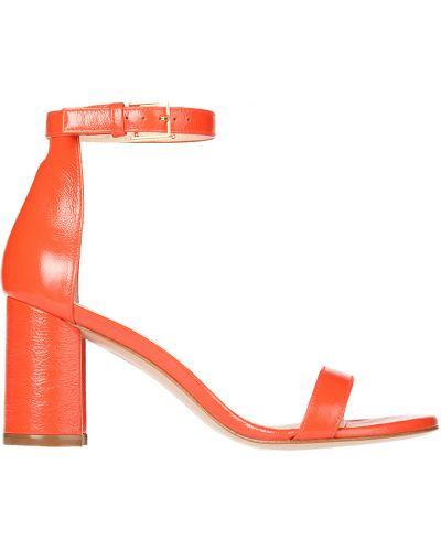Красные босоножки на каблуке Stuart Weitzman