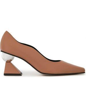 Черные туфли-лодочки Yuul Yie