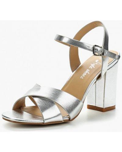 Босоножки на каблуке серебряного цвета Style Shoes