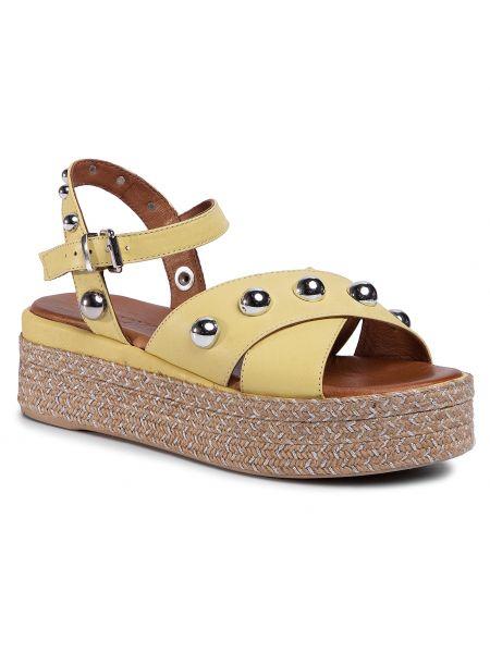 Żółte sandały casual Inuovo