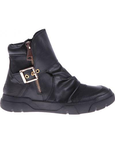 Ботинки на платформе кожаные осенние Studio Italia