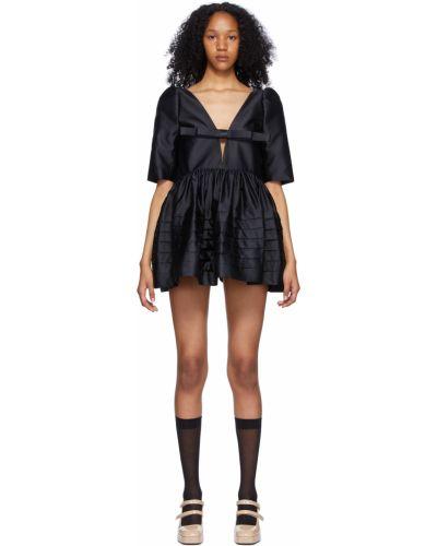 Czarna sukienka mini z jedwabiu z dekoltem w serek Shushu/tong