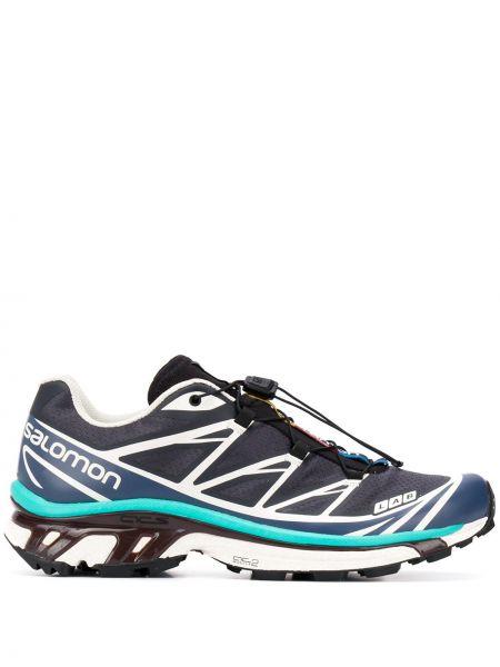 Синие кроссовки с заплатками на шнуровке круглые Salomon S/lab