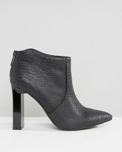 Ботинки на каблуке Missguided