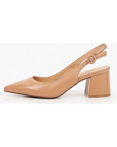 Бежевые кожаные туфли Graciana