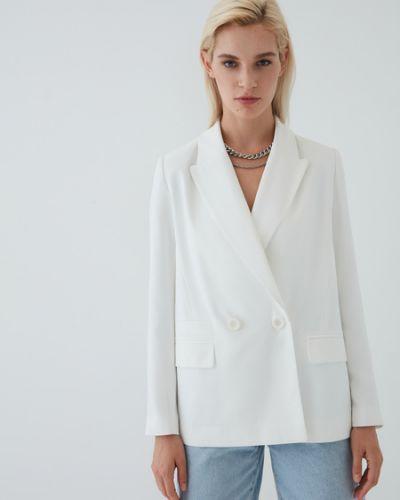 Белый пиджак двубортный Zarina