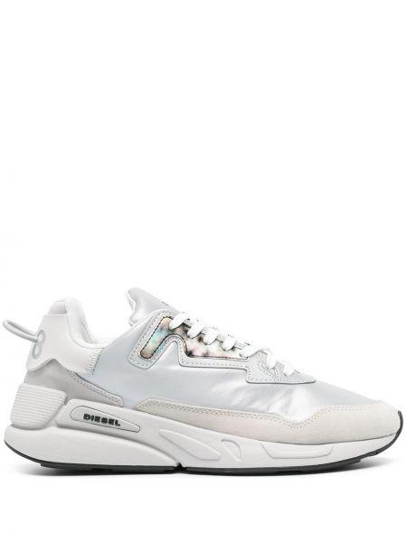 Серые кроссовки на шнуровке на плоской подошве Diesel