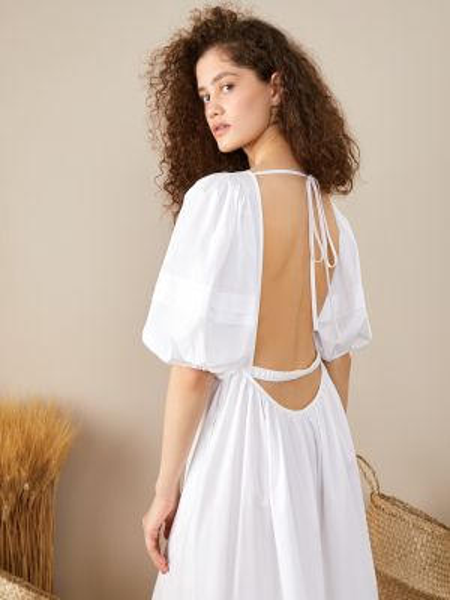 Белое открытое платье с открытой спиной на шнуровке 12storeez