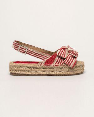 Czerwone sandały na platformie Corina