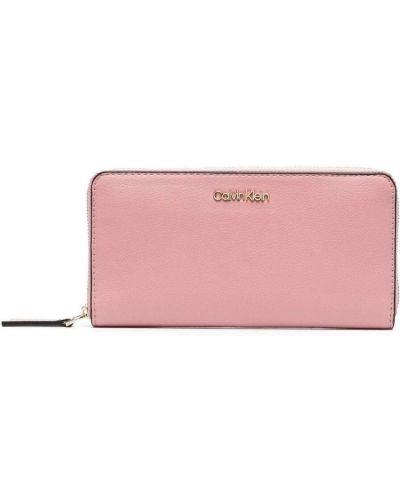 Розовый кошелек Calvin Klein