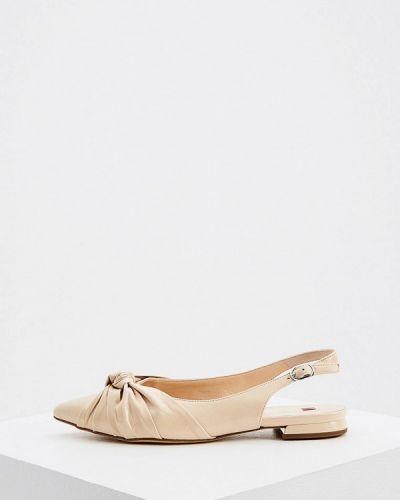 Лаковые кожаные бежевые туфли Hogl