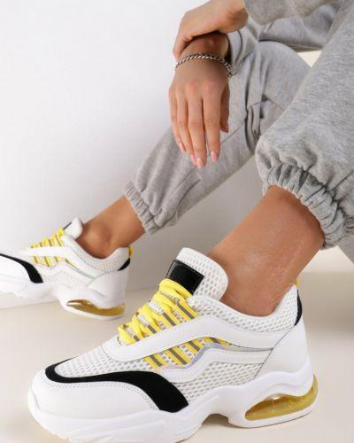 Białe sneakersy materiałowe Renee