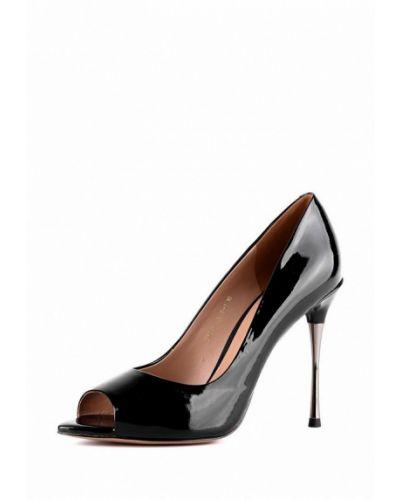 Туфли на каблуке кожаные лаковые Sasha Fabiani