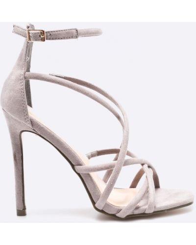 Серые туфли на высоком каблуке Answear