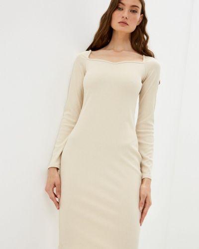 Бежевое прямое платье Moki