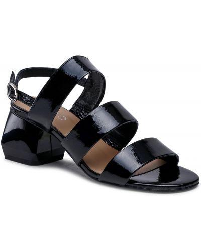 Czarne sandały lakierowane Edeo