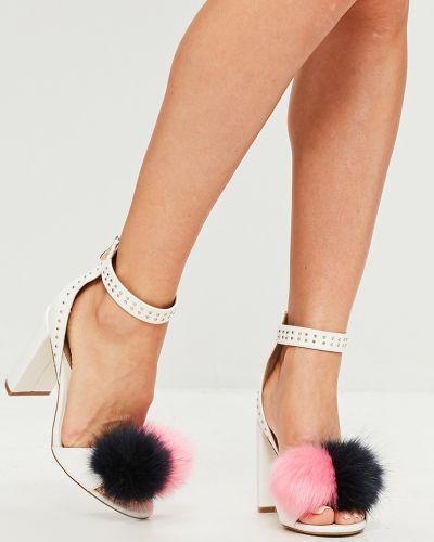 Белые туфли на каблуке Missguided