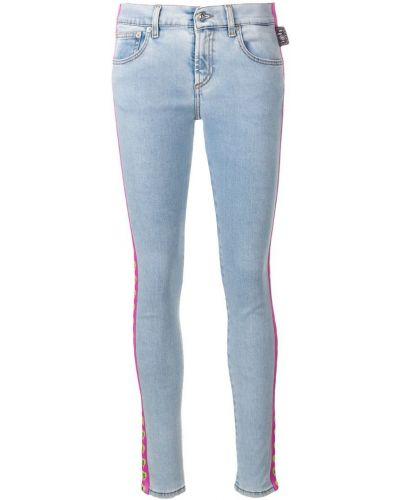 Зауженные джинсы с заниженной талией - синие Versus