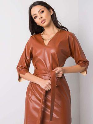 Brązowa sukienka skórzana z paskiem Fashionhunters
