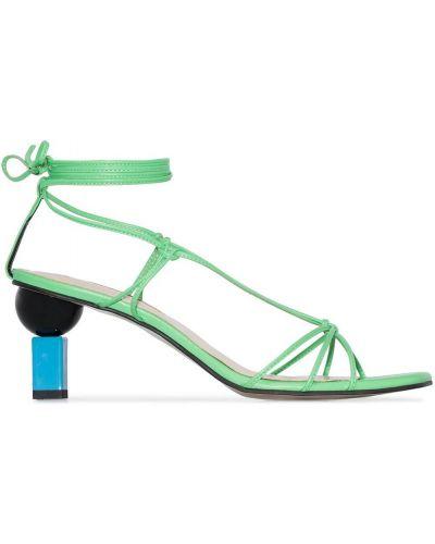Кожаные открытые босоножки на каблуке с открытым носком Yuul Yie