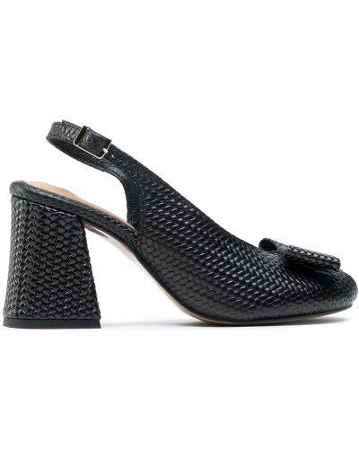 Босоножки на каблуке - черные Maccioni