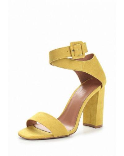 Босоножки на каблуке желтый замшевые Topshop
