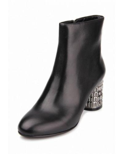 Кожаные ботинки осенние на каблуке Ditto