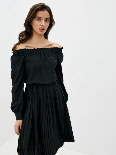 Платье с открытыми плечами черное Ice Play