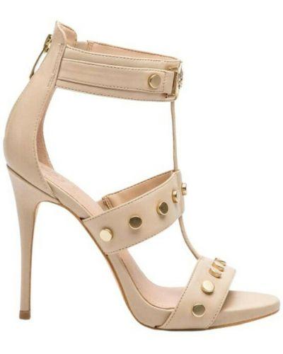 Beżowe sandały Guess