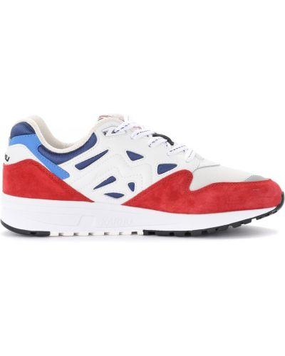 Czerwone sneakersy Karhu