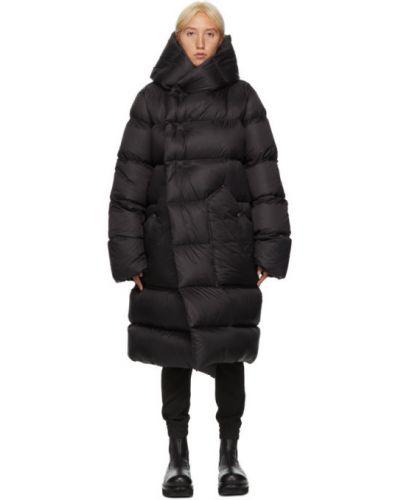Czarny wełniany wodoodporny pikowana płaszcz z kołnierzem Rick Owens