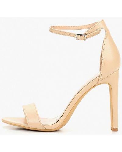 Босоножки на каблуке кожаные бежевые Ideal Shoes®