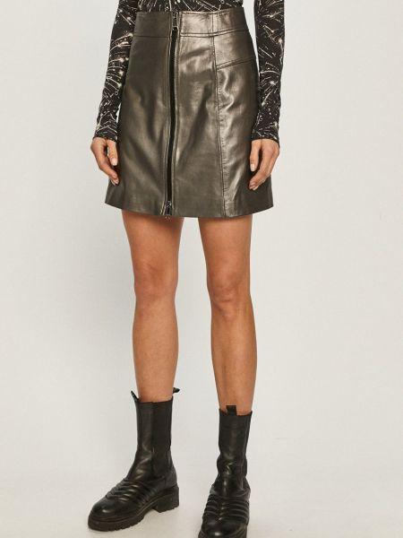 Серая расклешенная кожаная юбка Max&co