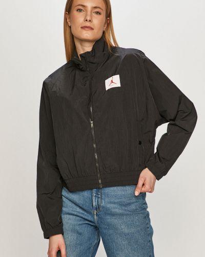 Czarna kurtka przejściowa z nylonu Jordan