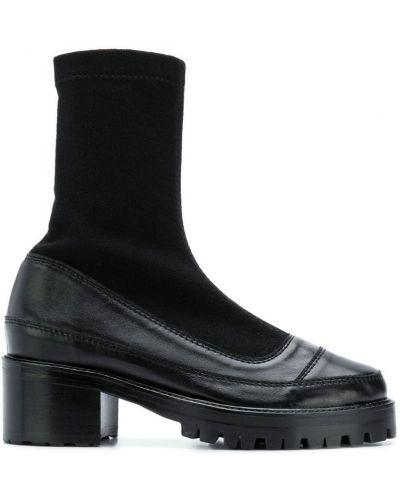 Черные носки Nicole Saldaña