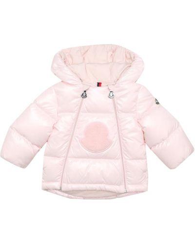 Puchaty różowy płaszcz Moncler Enfant