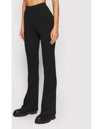 Czarne spodnie dresowe Noisy May