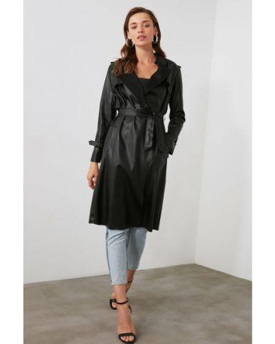 Czarny płaszcz skórzany Trendyol