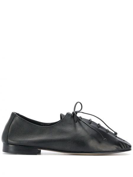Кожаные черные туфли на шнуровке Hereu