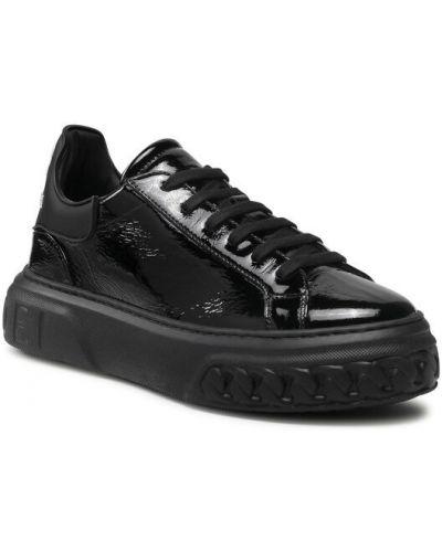 Czarne sneakersy Casadei