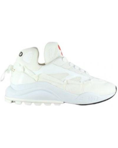 Białe sneakersy F_wd
