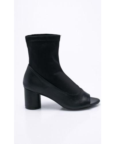 Черные сапоги Silvian Heach