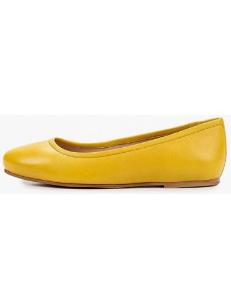 Кожаные желтые балетки с круглым носом Riveri