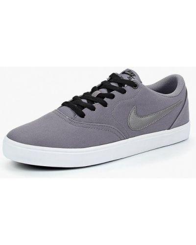 Серые низкие кеды Nike