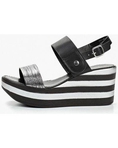 Босоножки на каблуке кожаные Tamaris