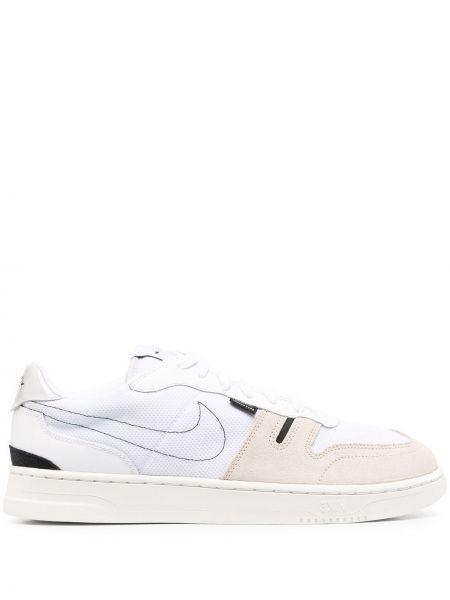 Skórzany biały skórzane sneakersy na sznurowadłach okrągły nos Nike