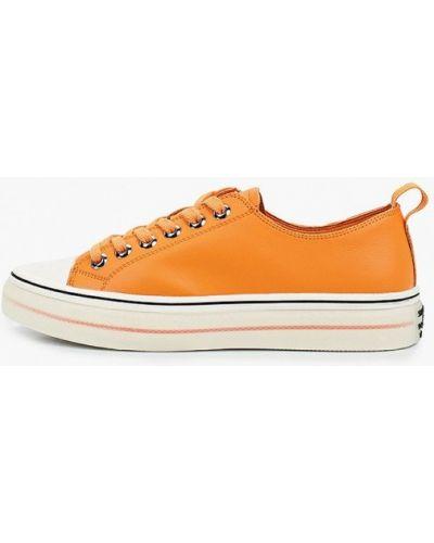 Оранжевые кожаные низкие кеды Sprincway