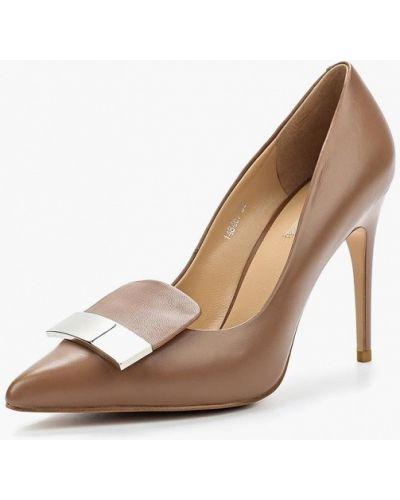 Туфли-лодочки кожаные на каблуке Vitacci