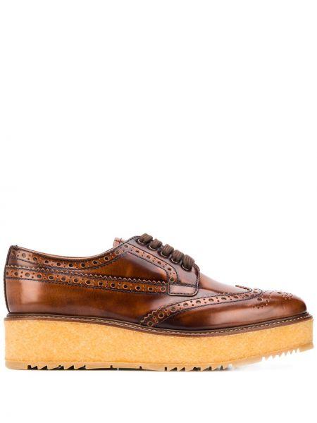 Brązowy koronkowa skórzany buty brogsy na sznurowadłach Prada
