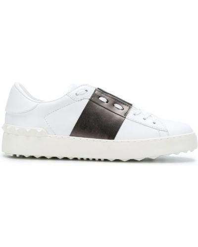 Кожаные кроссовки с логотипом на шнуровке Valentino